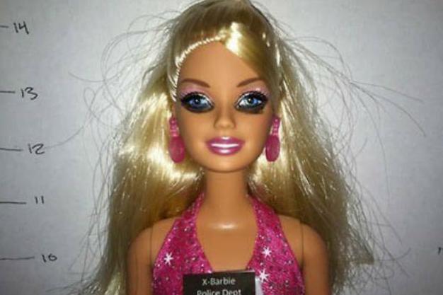 Неблагополучная Барби