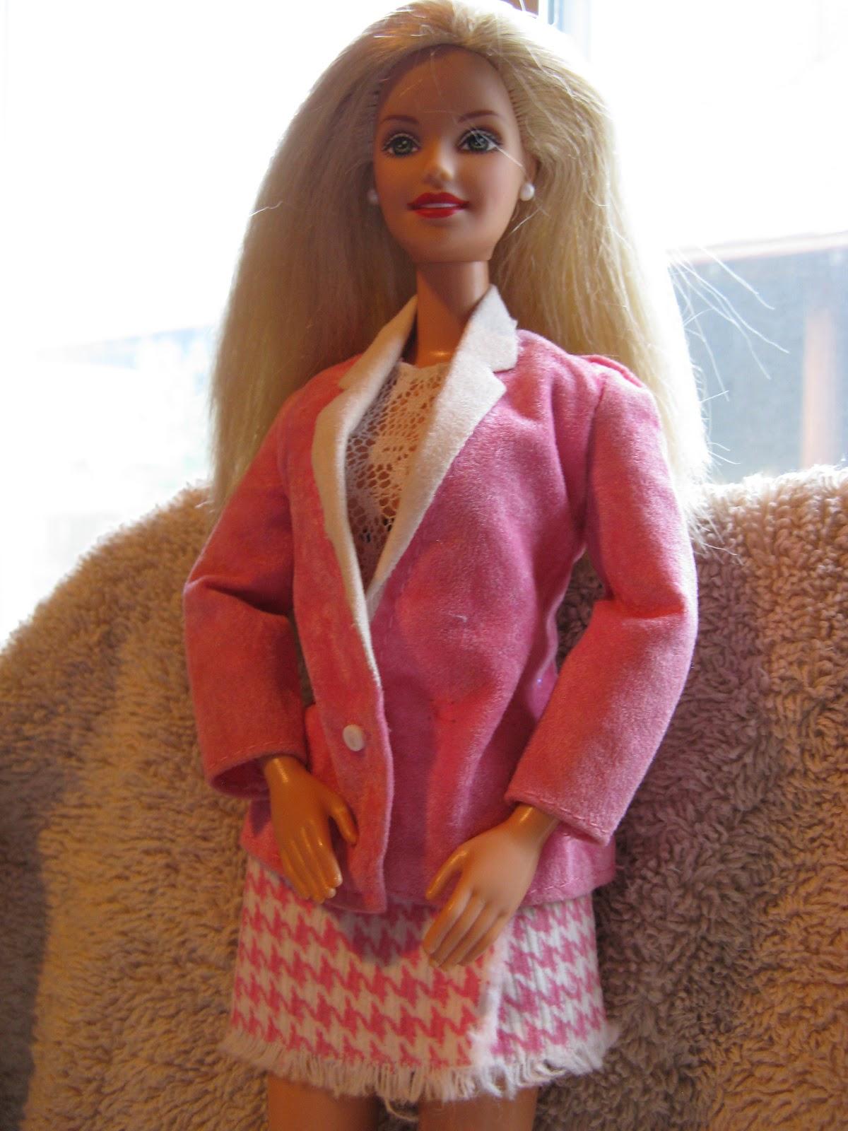 Эта Барби оказалась слишком розовой для бизнес-леди