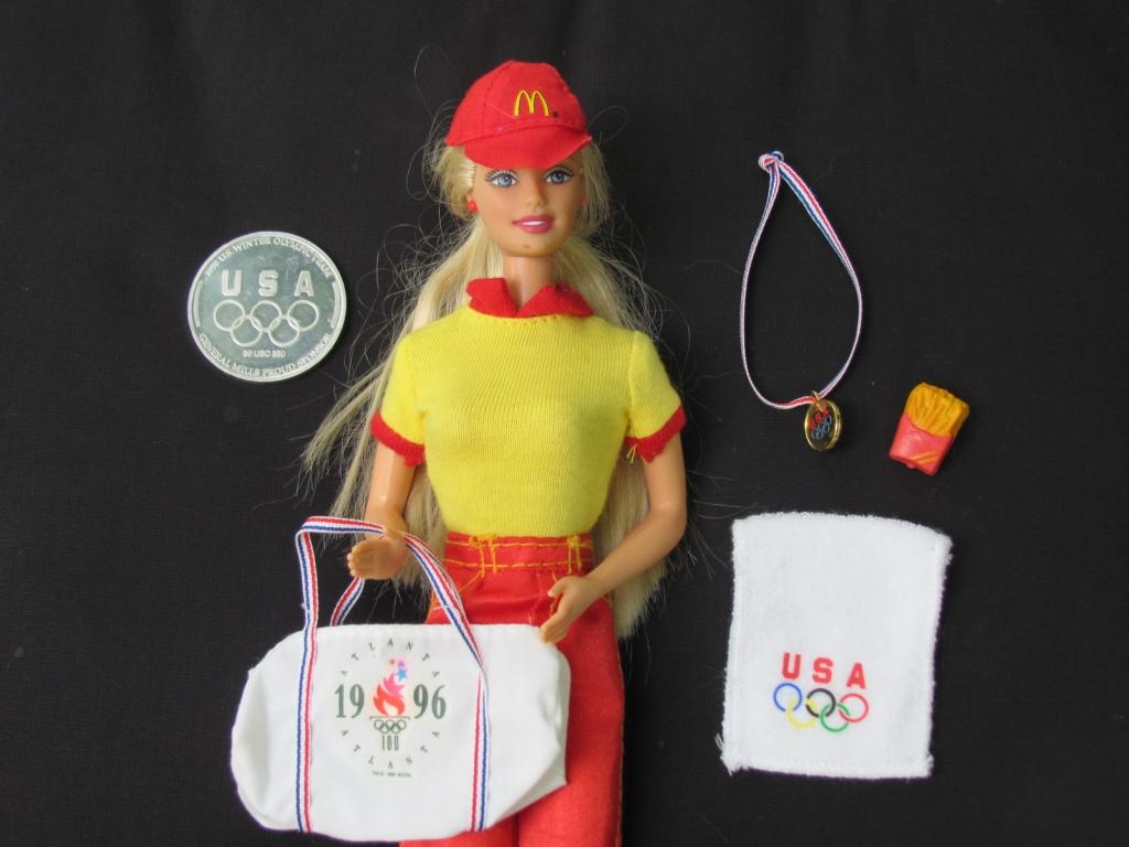 Эту куклу забраковали за странное сочетание атрибутики Олимпиады и Макдоналдса