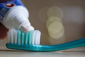 Гениально! 10 неожиданных применений зубной пасты