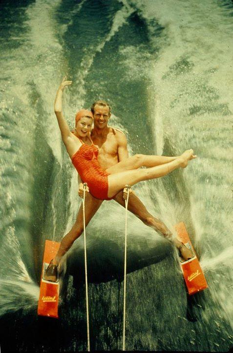 26.-A-waterskiing-couple-in-California-USA.-Circa-1950