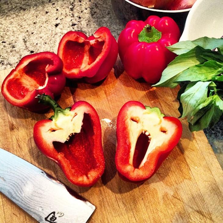 Frutas-y-verduras-de-figuras-raras-que-parecen-otra-cosa-22-730x730
