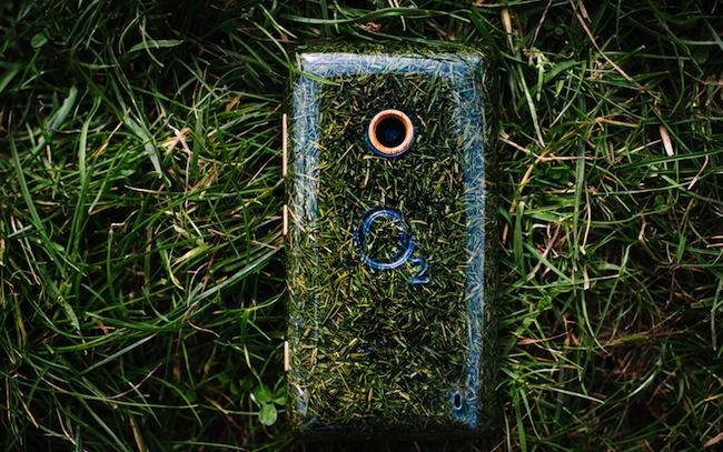 O2-recycle-grass-phone-designboom03