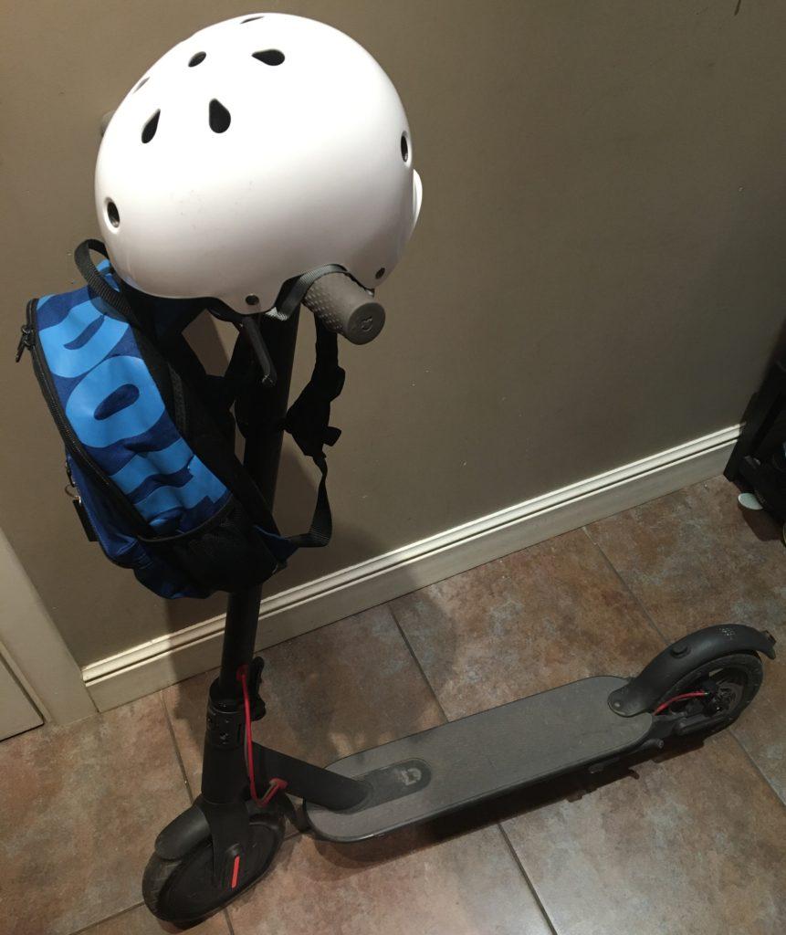 Как возить детей на электросамокате