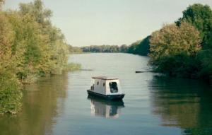 Плавучий домик рыбака спроектировали в Венгрии